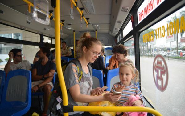 xe bus hãng